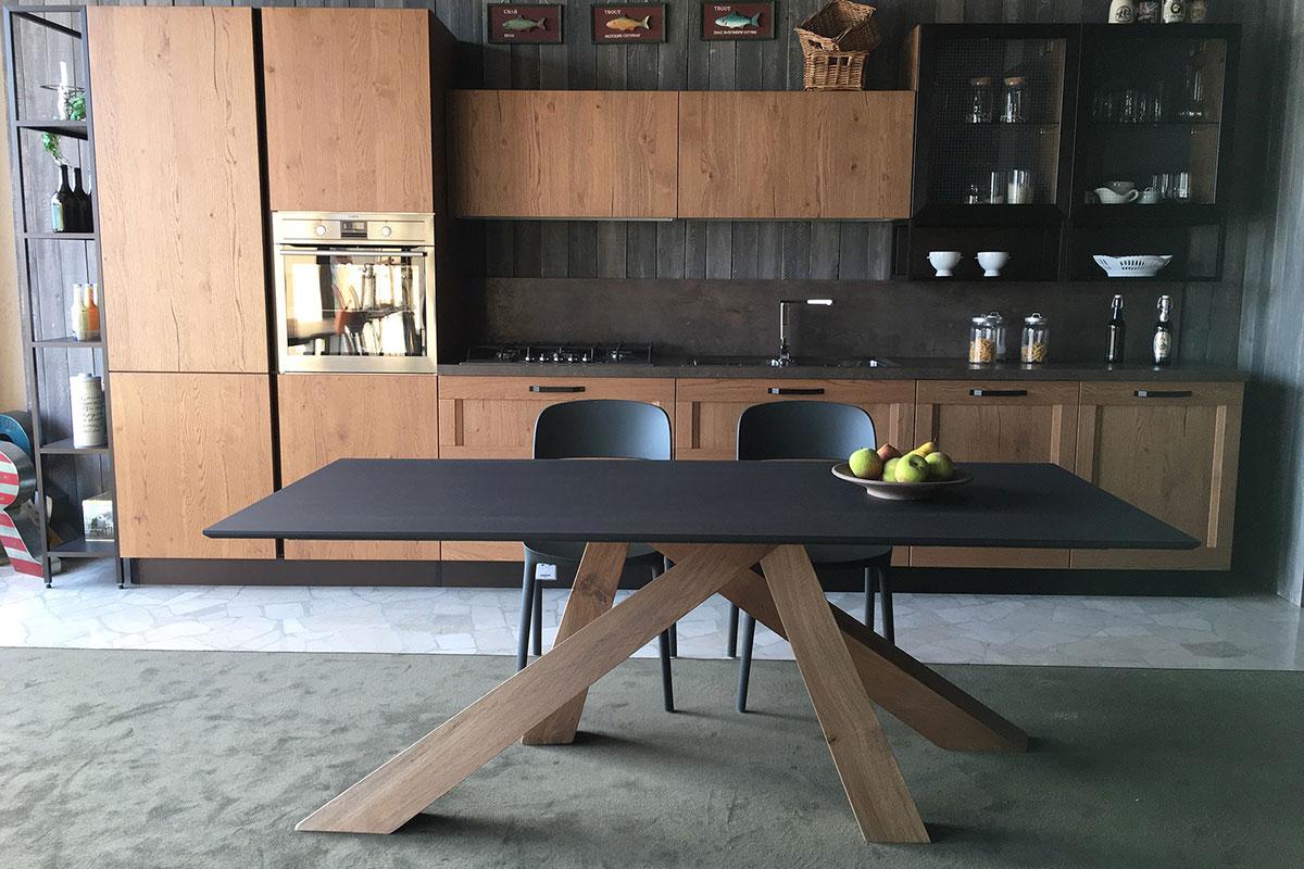 Tavolo Legno Bergamo.Cucina Showroom Spreafico Mobili Centro Cucine Spreafico