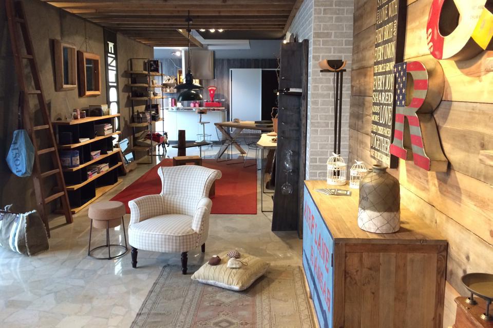 Mobili e arredamento a bergamo spreafico arreda for Showroom mobili